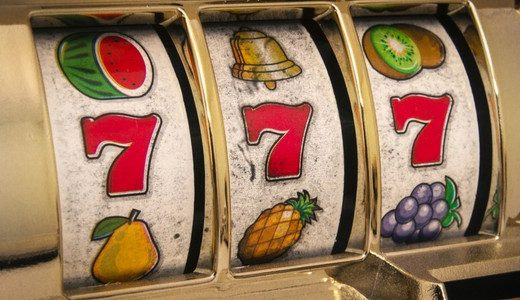 Playing Slot Machine Games for the Online Players